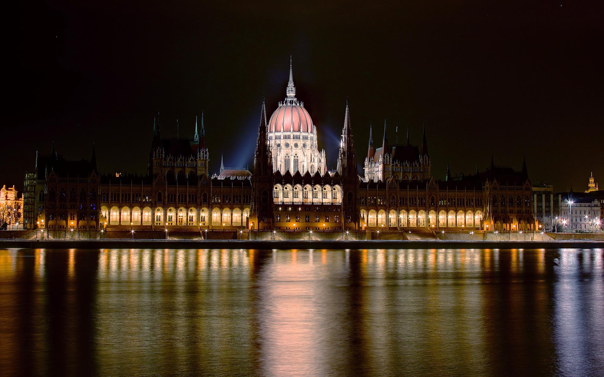 Budapest Parlament by night WUXGA